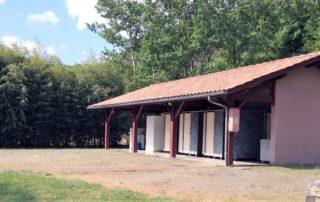 Bloc sanitaire récent du camping Amestoya de Bidarray