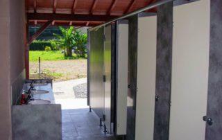 4 wc et 6 éviers au camping Amestoya à Bidarray