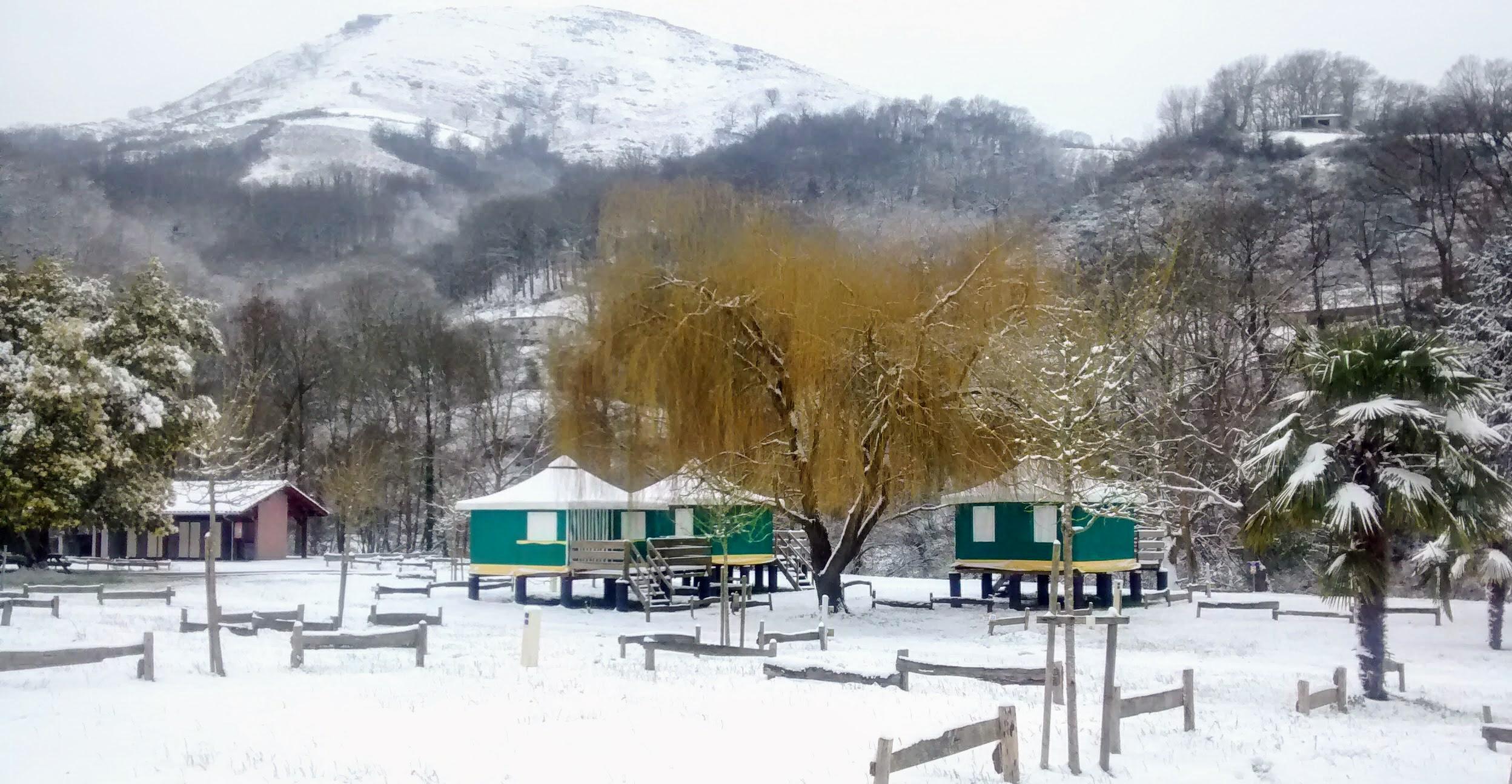 Camping Amestoya en Bidarray bajo la nieve