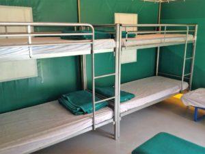 Tente de 8 couchages, BENGALIS COLLECTIFS 13 €/nuit/personne, mise à disposition